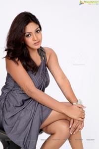Pavani Reddy Sensuous Photo Session