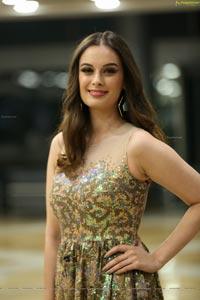 Evelyn Sharma - Model