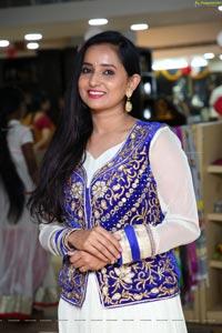 Ishika Singh at Cottage Craft Mela